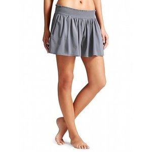 Athleta Sneaky Short Gray Flowy